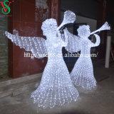 屋外の彫刻の天使のモチーフライト