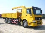 25トンの中国の最もよくまっすぐなアームによってトラック取付けられるクレーン