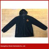 刺繍された280のGSMポリエステル男女兼用の黒い羊毛のジャケット(J140)