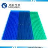Hoja polivinílica helada del material para techos del carbonato de la depresión del verde azul