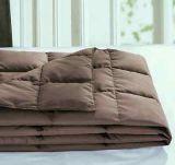 Manta de color marrón abajo