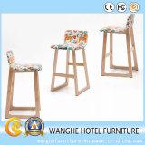 Örtlich festgelegter hölzerner Stab-Tisch und Schemel-Stab-Stuhl-Set