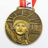 昇進はカスタムリボンが付いている鋳造選手権の記念品賞のスポーツの骨董品の金属メダルを押す習慣3Dを個人化した