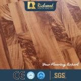 Le vinyle de la vente en gros 8.3mm E1 AC3 a gravé le plancher stratifié par bois de parquet d'érable de noix
