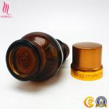 Bottiglia di vetro cosmetica con la protezione dorata per profumo