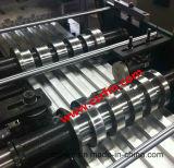 Rolo que dá forma ao equipamento para o painel do carro