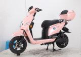 LCDのメートルが付いている女の子SLA電池のためのUSBの充電器のピンクの電気スクーター
