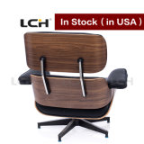 Cadeira clássica da sala de estar de Eames do estilo no estoque