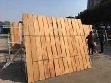 햇빛 긴 판자 버마 티크 단단한 나무 마루에서 몸을 녹이기