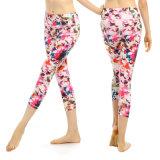 Pantaloni comodi di yoga delle donne di figura del corpo del tessuto Spandex/del nylon