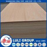 madera contrachapada de Okoume del gradiente de 1220*2440m m Bbcc para el uso de los muebles