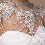 Шея кристаллический Tulle новой конструкции высокая отбортовывая куртку венчания