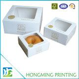 Одиночным напечатанная логосом коробка белого торта с окном