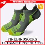 Le coussin spécial de coton de cheville folâtre ultra des chaussettes pour des femmes