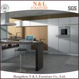 2パックの光沢度の高い終わりを用いるUの形の材木の台所食器棚