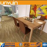 Древесин-Посмотрите плитку настила PVC, деревянный пол для строительного материала стационара