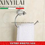 Sostenedor blanco de la toalla del cromo de la cubierta para los accesorios del cuarto de baño del hotel