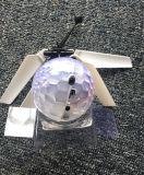 Fliegen-Kugel-Minidrohne-Hubschrauber-Kugel aufgebaut, wenn Kugel der Whirly Kugel-LED Shinning