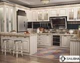 L armadio da cucina di legno dell'hotel di figura dell'isola domestica moderna della mobilia