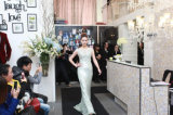 Comprimento cheio branco elegante a - linha laço do trem da varredura da V-Garganta mais vestidos de casamento do tamanho com luvas (LD1014)