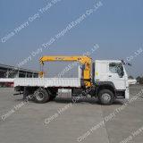 XCMG 10 tonnes de boum de grue montée par camion télescopique hydraulique de grue de cargaison à vendre