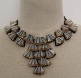 2015 de Nieuwe Met de hand gemaakte Geparelde Halsband van de Kraag van de Nauwsluitende halsketting van het Kostuum van het Kristal (JE0037)