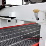 Автоматический маршрутизатор CNC изменителя 3D для деревянный делать двери Cabniet