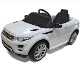 Kinder genehmigten Fahrt auf Auto Geländewagen