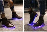 성인을%s LED 단화가 영국 형식 고품질 가죽 남자 여자에 의하여 마틴 구두를 신긴다