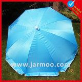 O costume anuncia o guarda-chuva de Sun da praia