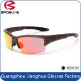 Nuovi occhiali di protezione della bici di sport degli occhiali da sole UV400 degli obiettivi del PC di vetro di Sun di sport esterni 1.1mm