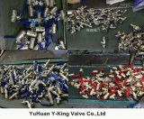 Robinet à tournant sphérique en laiton de couleur en laiton normale avec le traitement en aluminium (YD-1018)