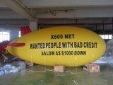 Dirigibile di pubblicità gonfiabile giallo dello Zeppelin dell'elio