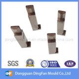 As peças sobresselentes fazendo à máquina personalizadas das peças do CNC para conetam o molde