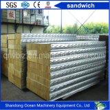 Felsen-Wolle-Zwischenlage-Panel für die Dach-Panel-Wand gebildet von Stahlblech-Farben-überzogenem Stahlblech des Stahlblech-PPGI des gute Qualitätspreiswerten Preises