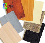 Panneau en bois de grain Panneau en bois revêtu en bois en composite en plastique Panneau en bois Panneau mural en PVC