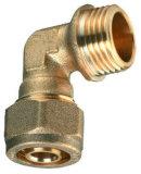 La guarnición de cobre amarillo del acoplador de la compresión