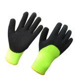 Guante sumergido mitad resistente fría del trabajo del invierno del látex de espuma de los guantes
