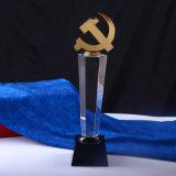 Le trophée en verre en gros modèle la récompense en cristal de trophée
