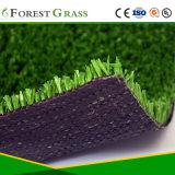 テニスコートの人工的な草