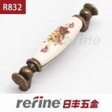 새로운 디자인 세라믹 아연 합금 가구 손잡이 (R-832)