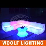 Canapé en plastique à l'extérieur Mobilier LED à vendre Canapé moderne à deux sièges à LED