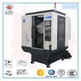 ハイライトのアルミ合金のための縦のマシニングセンターVCM540 CNC機械中心は可動装置および腕時計で分ける