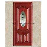内部の高い木製のドアを切り分けること