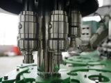 Máquina que capsula de relleno que se lava del agua embotellada plástica