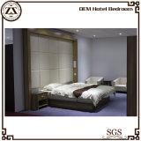 新しいデザインホテルの部屋の家具