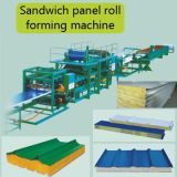 """Roulis de panneau """"sandwich"""" formant la machine/machine de toiture"""