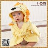 100%年の綿は浴衣および赤ん坊のフード付きの浴室タオルをからかう