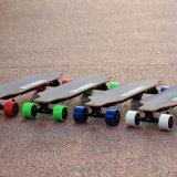 Räder des Fabrik-Großverkauf-vier verdoppeln Naben-batteriebetriebener elektrischer Rochen Longboard
