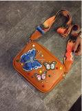 女性のための刺繍の蝶Crossbodyの2017の新しい流行のハンドバッグ